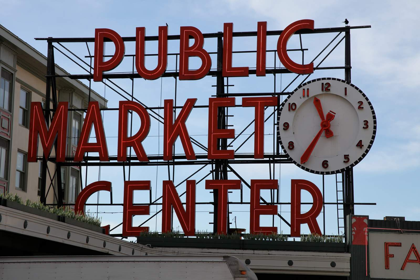 seattle-public-market-center (1)